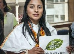 La líder indígena Ati Quigua habla sobre la coca y también profundiza sobre el punto cuatro de la agenda de paz en La Habana