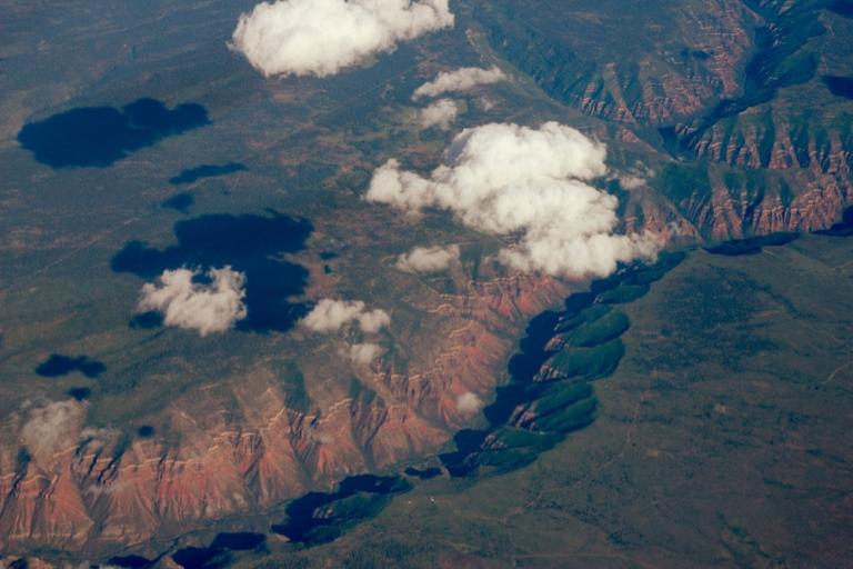 Nubes sobre desierto. Crédito de foto: © Arttextum