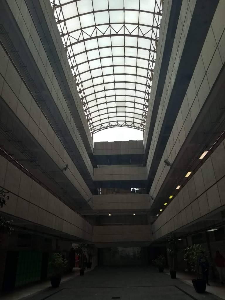 Un canvas gris que está por ser transformado en arte | Edificio W | UAM-A, CDMX